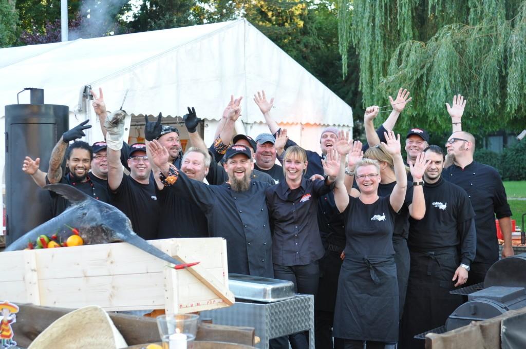 Thammys-BBQ-Team bei Feinkost Homann