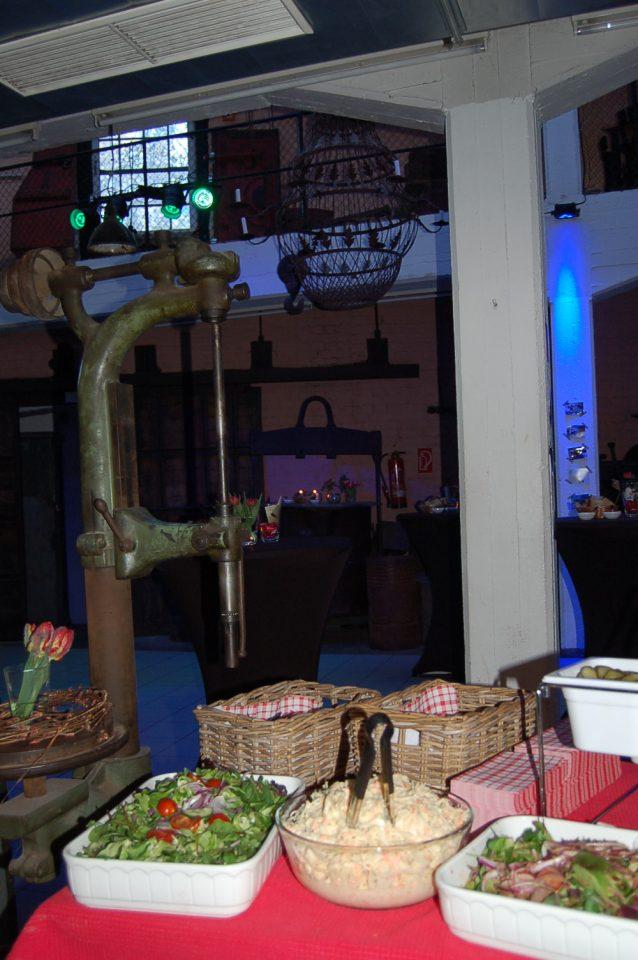 Die Salate warten auf Gäste