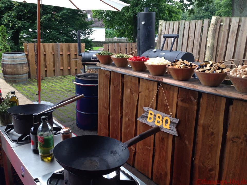 Thammys BBQ auf dem Hof Steffen